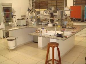 Lab. de Encapsulação e Alimentos Funcionais (LENALIS/ZEA)