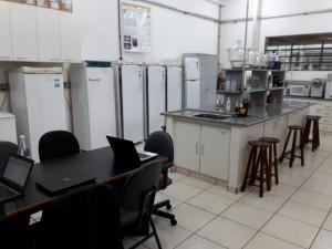 Lab. de Tecnologia de Sistemas de Embalagem (LATSE/ZEA)