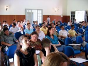 06/12/2006 - Docentes e funcionários da FZEA durante discussões finais em conjunto, elaboração e divulgação do documento final do Plano Estratégico e de Metas da FZEA/USP. Foto: Régis Gonçalves.