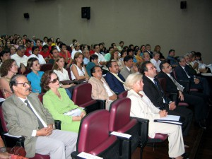 17/03/2006 - Apresentação do Plano Estratégico e de Metas da FZEA à Reitora USP, Profa. Dra. Suely Vilela. Foto: Régis Gonçalves.