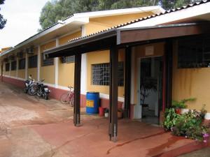 2006 - Visão externa das antigas instalações da Biblioteca,  onde hoje (2017) funciona a Secretaria do ZAB e  Seção Técnica de Informática. Foto: Régis Gonçalves.