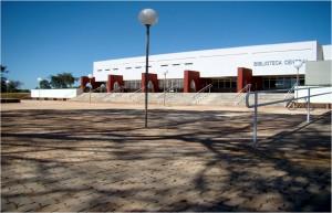 2011 - Entorno e Acesso à nova Biblioteca. Foto: Régis Gonçalves