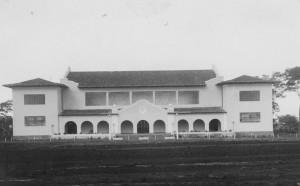 Vista lateral do Ginásio de Esportes, década de 40/50. Foto: Acervo Digital FZEA.