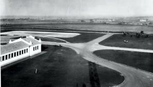 """Vista aérea do Campus """"Fernando Costa"""", USP de Pirassununga, década de 40. Foto: Acervo Digital FZEA."""
