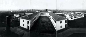 Foto Aérea – Prédio Central – Vista dos alojamentos, década de 40/50. Foto: Acervo Digital FZEA.