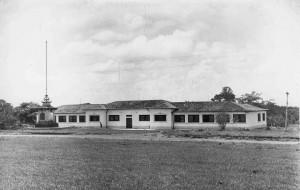 Escola Primária para filhos de funcionários e docentes da Escola Prática de Agricultura, década de 40/50 . Foto: Acervo Digital FZEA.