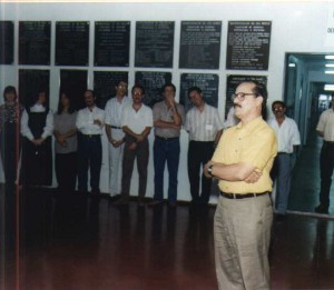 07/10/1995 - Inauguração das novas instalações do Departamento de Zootecnia (ZAZ): Prof. Dr. Lício Velloso, Diretor FZEA, durante discurso. Foto: Acervo FZEA.