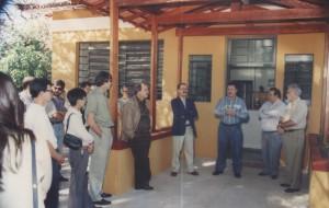 01/07/1995 - Inauguração das instalações do Departamento de Ciências Básicas (ZAB): discurso do Prof. Dr. José Bento Sterman Ferraz (Coordenador do Projeto FAPESP de Infra-estrutura I), ladeado pelos professores doutores: Lício Velloso (Diretor FZEA), Dario Ocampos e pelo Magnífico Reitor da USP, Flávio Fava de Moraes. Foto: Acervo FZEA.