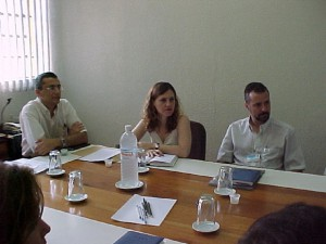 30/10/2003 - 1º Reunião do Departamento de Engenharia de Alimentos (ZEA). Da esquerda para direita, Profs. Drs. Holmer Savastano Junior, Ana Lúcias Gabas e Carlos Augusto. Foto: Régis Gonçalves.
