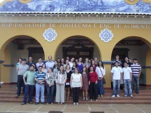 30/10/2013 - Docentes, Funcionários e Alunos durante evento comemorativos dos 10 anos do Departamento de Engenharia de Alimentos (ZEA). Foto: Régis Gonçalves.