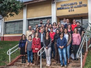 2017 – Docentes e Funcionários ativos do Departamento de Engenharia de Alimentos (ZEA). Foto: Andrezza Maria Fernandes.