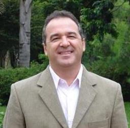 Prof. Dr. Douglas Emygdio de Faria